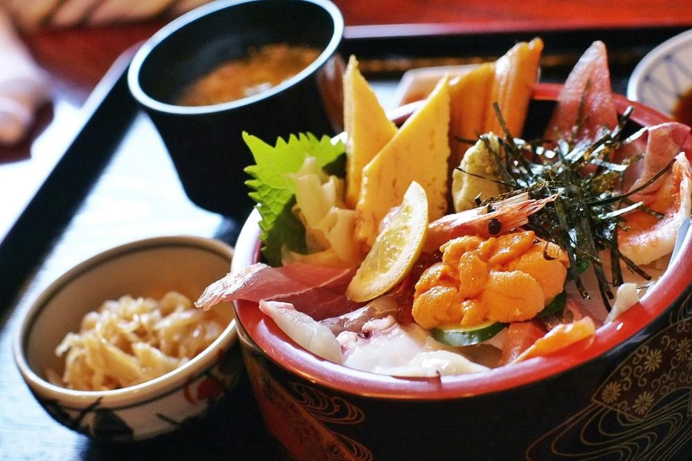 わーさんの海鮮丼(上)